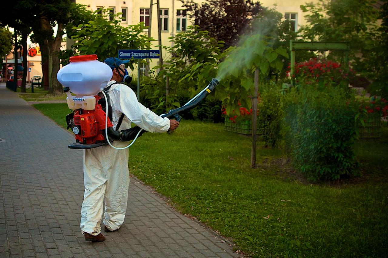 W mieście trwają opryski przeciw komarom. Fot: Karol Kolba/ NOWOSOLSKIE.iNFO